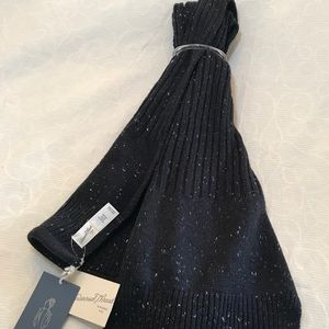 Universal Thread black/gray scarf